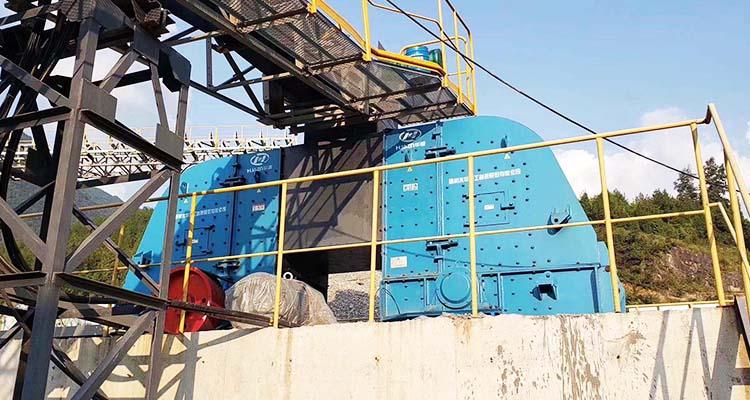 矿石碎石机设备-反击式破碎机